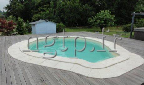 Modèle PIANA  longueur 5 m / largeur 4,3m / profondeur 1.3 m avec 18 m3 d'eau.